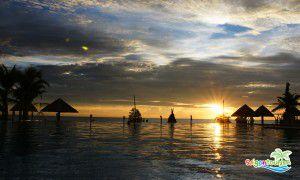 Vẻ đẹp biển Phú Quốc lúc bình minh.