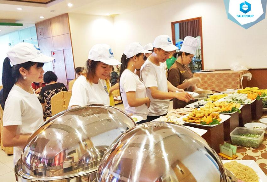 Tiệc buffet tại khách sạn