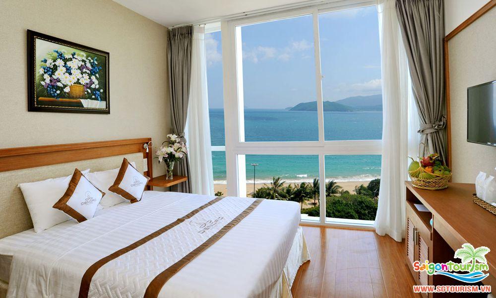 Một số khác h sạn tại Nha Trang có hướng nhìn ra biển rất đẹp và thơ mộng