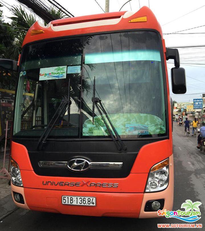 Xe du lịch đời mới của Saigontourism
